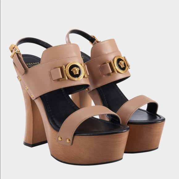2817d4a89a8 NWT ICON VERSACE PLATFORM LEATHER SANDALS w box